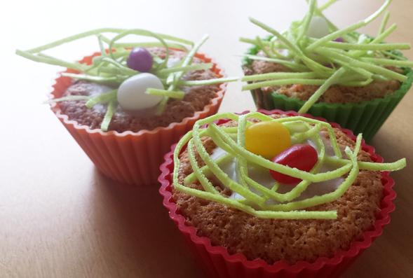 Karotten-Muffins mit Oster-Deko