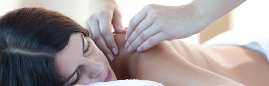 Massageöle mit ätherischen Ölen